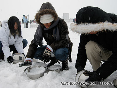 Forming the bodies of the snowmen