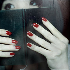 Only Me (Sachie Nagasawa - somewhair) Tags: red selfportrait texture moleskine self notebook square 50mm nikon autoportrait nail sachie nagasawa 50fav d80 manucure somewhair hantenshi