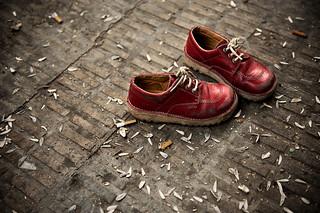 La inocencia descalza