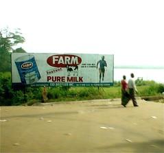 Liberia_anuncio_leche