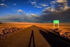 Desierto de Atacama (Igor Alecsander) Tags: chile road sunset shadow me ruta landscape desert camino carretera yo eu sombra paisaje paisagem estrada ap atacama nuvens desierto placa sanpedro caminho cartel deserto rodovia