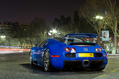 Bugatti Veyron - Trocadero ([ JR ]) Tags: blue paris night long exposure bleu exotic bugatti trocadero nuit supercar exotics veyron fialeix