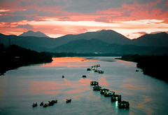 Legend of the Perfume River (a film shot) (Vu Pham in Vietnam) Tags: world sunset panorama mountain heritage river landscape landscapes countryside movement southeastasia vietnamese candid ishootfilm unesco vietnam dragonboat hue vu installationart perfumeriver sampan indochina 光 hué ベトナム 黄色 việtnam huế phongcảnh 베트남 huecity sônghương cốđô thurathienhue kinhđô thuyềnrồng raininvietnam thànhhuế commentwithimageswillbedeletedsosorryforthis