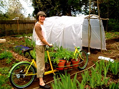 Garden start_transport_3 (METROFIETS) Tags: green beer bike bicycle oregon garden portland construction paint nw box handmade steel weld coat transport craft cargo torch frame pdx custom load 2009 woodstove builder haul carfree hpm stumptown paragon chrisking shimano custombike cargobike handbuilt workbike bakfiets cycletruck rosecity crafted 4130 bikeportland braze longjohn paradiselodge seattlebikeexpo nahbs movebybike kcg phillipross bikefun obca jamienichols boxbike handmadebike metrofiets oregonmanifest matthewcaracoglia palletbike oregonframebuilder seattlebikeshow bikefarmer