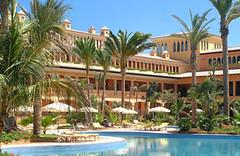 Hotel Atlantis Bahía Real