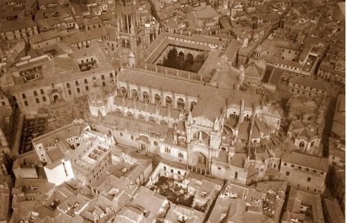 Catedral de Toledo sin su cimborrio tras ser derribado en 1910
