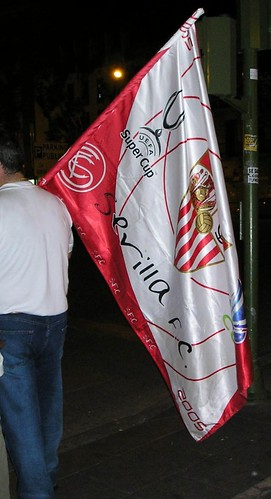 20070517 Seville: futbol fan with flag
