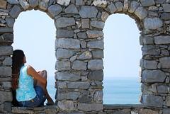 C' che ormai che ho imparato a sognare.. (luana183) Tags: sea girl mare stones liguria io cielo sassi portovenere azzurro ragazza finestre sognare luana183 graziegagi