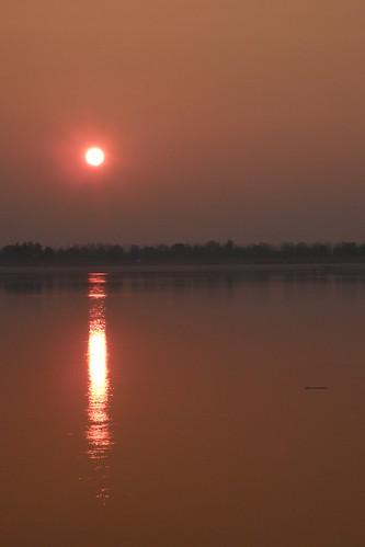 003.湄公河的日出 (2)