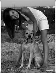Feliz Cumple Ona! ~ Happy birthday Ona! (Bogaugon) Tags: bw dog pet byn lab labrador pola