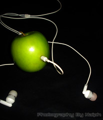 Apple Pod (Emozey Naiph) Tags: pink black green apple port grey wire pod ipod phone background sony ear bud plugged naiph w55