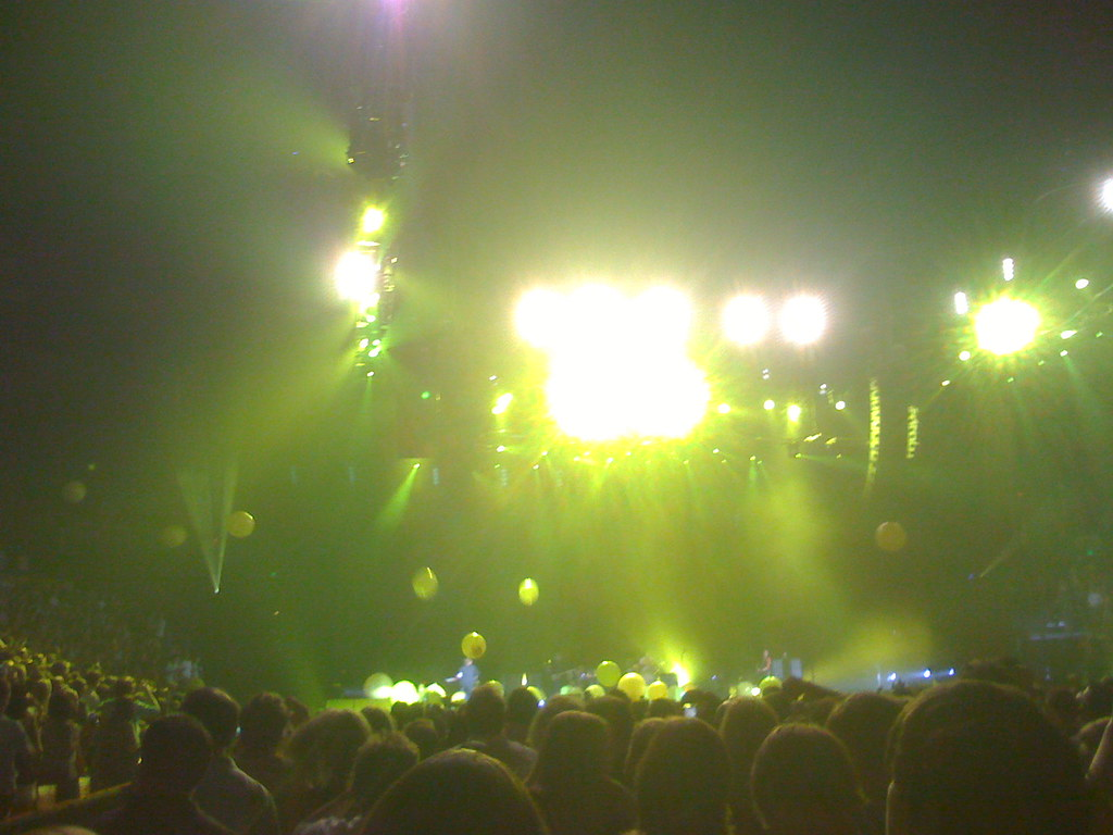 Coldplay - yellow balloons