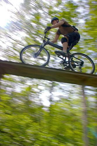 d87cfc64fc1 ... city on my Swissbike TX _aioseop_keywords travel, Swissbike, TX,  Montague, bike, bikes, folding bike, folding bikes Charles River at Night  ...