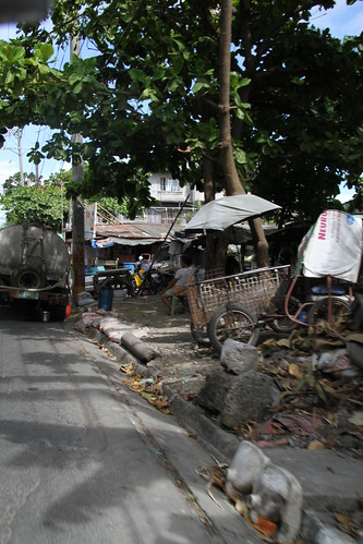 Bicutan- avenida