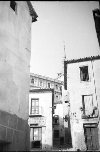 Plaza del Seco de Toledo en plena guerra civil. Fondo del Estudio Fotográfico Alfonso. Archivo General de la Administración. Ministerio de Cultura