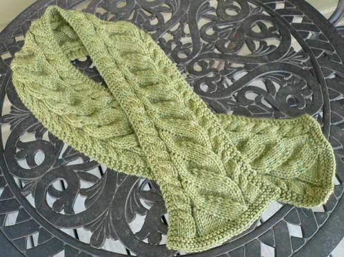 серый шарфик с ананасами и бахромой. вязаные шарфы - вязание крючком на...