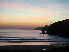 muckros bay sunset (Golden Oldies Self-Drive Classics) Tags: ocean ireland sunset sea sky night surfers donegal