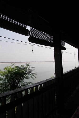 36.Anouxsa Guesthouse就在湄公河旁邊