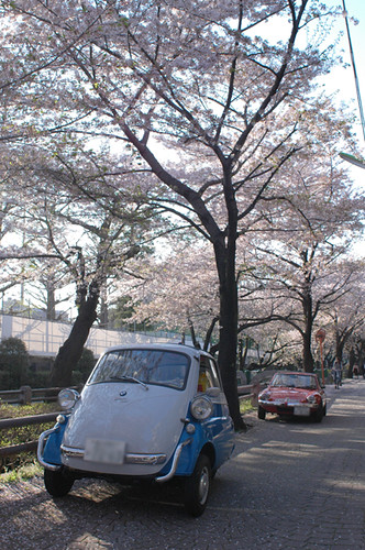 Ginetta G-15 & BMW Isetta in Setagaya Japan [Apr. 09. 2009]