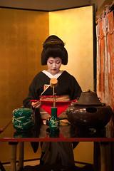 Tea ceremony (yocca) Tags: woman lady japanese kyoto geiko 京都 kimono teaceremony 2009 芸妓 kamishichiken 上七軒 kitanoodori ichimame お茶席 市まめさん apr2009 しっとりした芸妓さんにならはった