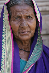 Portrait of an elderly woman (World Bank Photo Collection) Tags: india scarf sari woman portrait southasia elderly old older gender looking worldbank female wrinkles