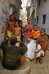 To sir, with love (flavita.valsani) Tags: india man boys children varanasi learning conversation benares holycity uttarpradesh ndia valsani spirituallessons heysomeofyouarenotpayingattention leavingvaranasi holychildren