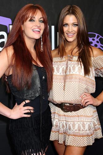 Maria Kanellis , Eve Torres, -- MTV Movie Awards