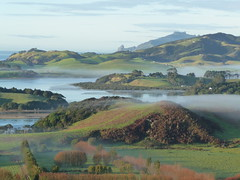 Towards Bream Head (NettyA) Tags: morning autumn winter newzealand mist mountains water great hills nz northisland northland outstanding supershot whangareiheads breamhead pataua platinumheartaward artofimages patauasouth bestcapturesaoi patauapa elitegalleryaoi