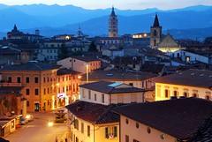 una sera a Pistoia... (Massimo Luca Carradori) Tags: light italy night lights italia tuscany toscana pistoia thechosenone abigfave diamondclassphotographer flickrdiamond grouptripod