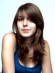 Ella es Tanya (Ella es Tanya) Tags: blue portrait girl azul chica tanya autoretrato littlesuisse