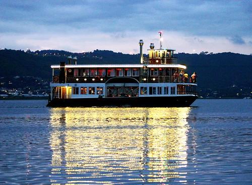 Knysa boat