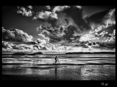 Equinox (Thierry Laurent :-)) Tags: ocean sunset sea sun black beach water beautiful beauty bicycle clouds photoshop photo blackwhite dynamic pacific artistic quality human photograph tofino equinox mywinners abigfave platinumphoto overtheexcellence atomicaward rangephotographer
