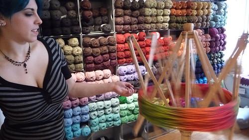 86/279 2009 Winding yarn at Knit New York