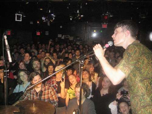 Efterklan at Mercury Lounge in New York - Casper is singing his heart out