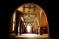 Inside al Fateh mosque   (AlAmmari) Tags: light canon bahrain al interior mosque fateh inside juffair  manama  masyad   alammari jufair    d450    fotocompetitionbronze platinumbestshot