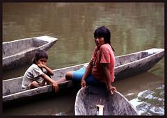 PERsw01 (IWGIA) Tags: portrait woman peru area persons ashaninka childyoung lasansky