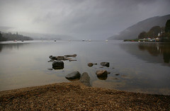 Stones in Loch Tay (albireo 2006) Tags: uk lake reflection water wow grey scotland day cloudy alba unitedkingdom britain background gray tay loch lochtay ecosse scozia walpaper justpentax pentaxart
