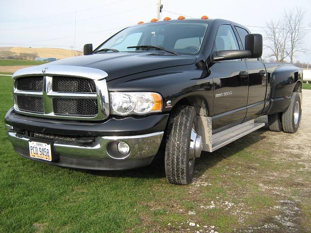 black truck diesel dodgeram