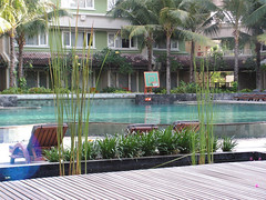 view-Arah-Kolam-Dari-Hotel (ciptagraha) Tags: view kolam renang tepi