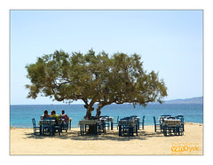 Paradiso (Linsenfehler - vandyrk) Tags: strand greece plaka griechenland paradiso naxos