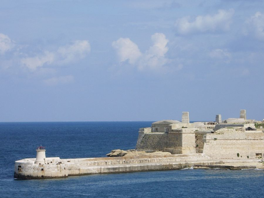 Fort Ricasoli and Harbour walls