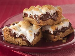 Warm Toasted Marshmallow S'more Bars (Betty Crocker Recipes) Tags: food recipe dessert baking sweet treats marshmallow smores bettycrocker grahamcracker meltedchocolate bettycrockerrecipe 10millionphotos dessertbars layereddessertbar warmtoastedmarshmallowsmorebars