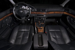 540i interior e39 bmw 6spd (dkfx photography) Tags: black leather interior exotic bmw m5 woodgrain 540 5series 540i 6speed e39 5406 fiveseries blackleatherinterior dkfx msportwheel dkfxphotography comfortseats silvergauges