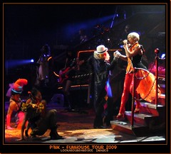 P!nk Funhouse Tour (lookaroundandsee) Tags: pink pnk aplusphoto wowiekazowie