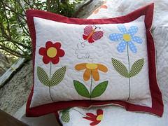 PoRtA tRaVeSsEiRo (DoNa BoRbOlEtA. pAtCh) Tags: flores patchwork borboletas margaridas colcha aplicao quiltlivre denyfonseca