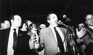 EL HEROE DE LA DEMOCRACIA: Raúl Ricardo Alfonsín 1927 - 2009