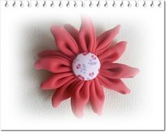 Flor rosa (Cilene Menezes) Tags: flower floral fleur flor rosa fabric fuxico tecido quadrada forrado