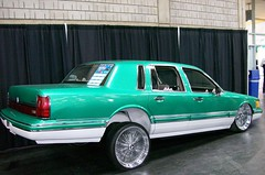 1991 Lincoln Town Car (blondygirl) Tags: auto car autoshow lincoln 1991 towncar lowrider carshow donk lincolntowncar powerama2009 2009poweramamotorshow 1000ormoreviews