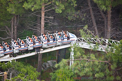 retro Revolution in the woods (ezeiza) Tags: california mountain valencia magic flags revolution roller amusementpark anton rollercoaster magicmountain sixflags six coaster themepark sixflagsmagicmountain santaclarita schwarzkopf sfmm antonschwarzkopf steelrollercoaster