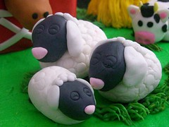 sheep (Enchanted Cakes of Brevard) Tags: sheep gumpaste